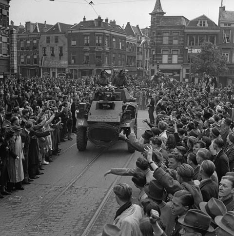 liberation crowd in Utrecht